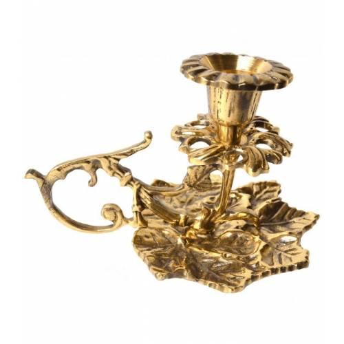 Le chandelier et lampe à huile